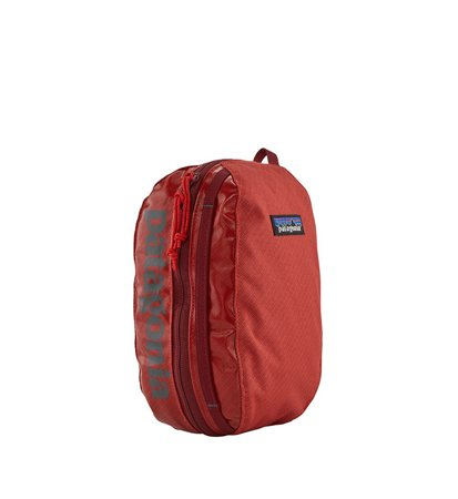 Patagonia Black Hole Cube Small Catalan Coral